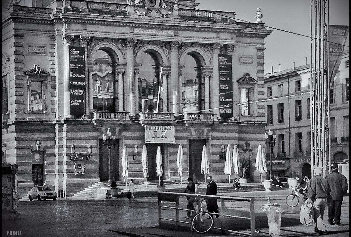 Montpellier - La place de la comédie et son Théatre