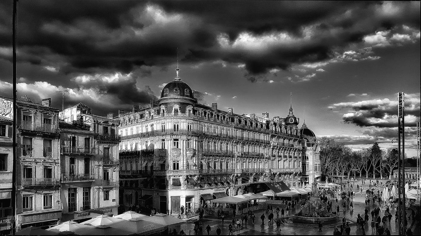 Montpellier - La place de la Comédie vue depuis le Théatre