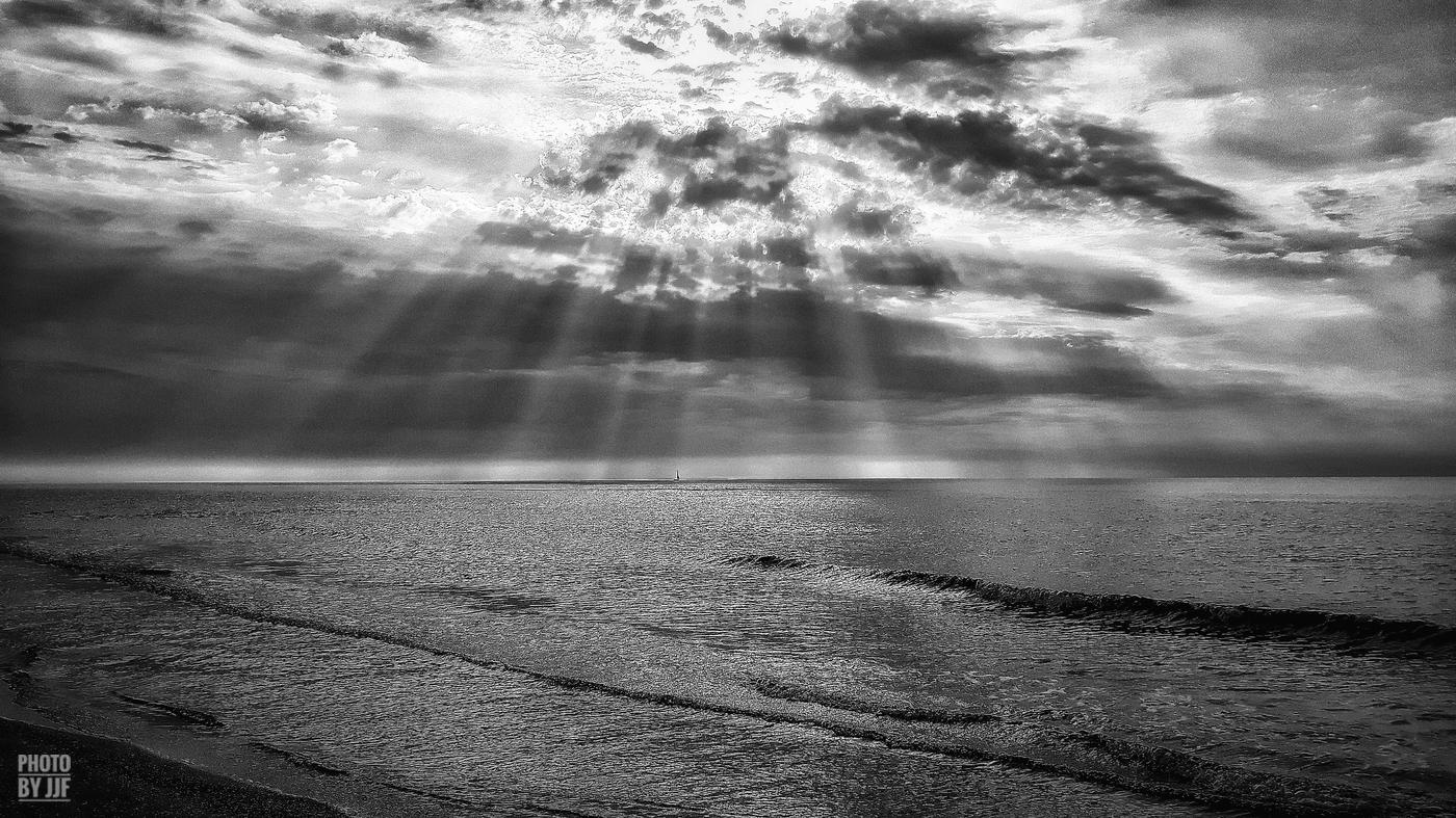 entre2brises_Sur la plage_abandonnee_JJF10