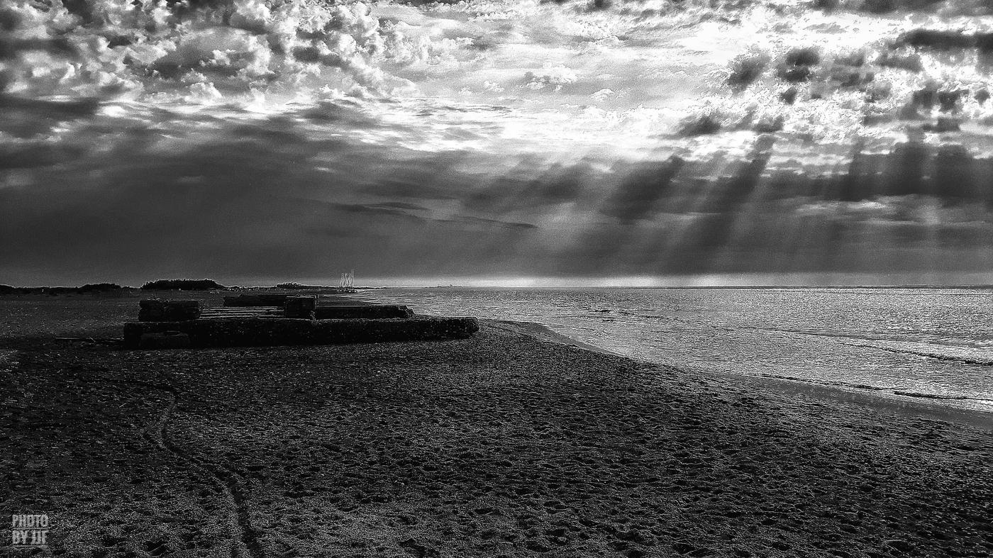 entre2brises_Sur la plage_abandonnee_JJF11