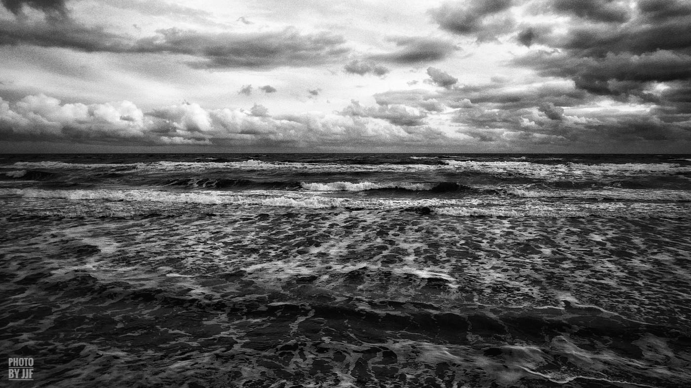 entre2brises_Sur la plage_abandonnee_JJF16