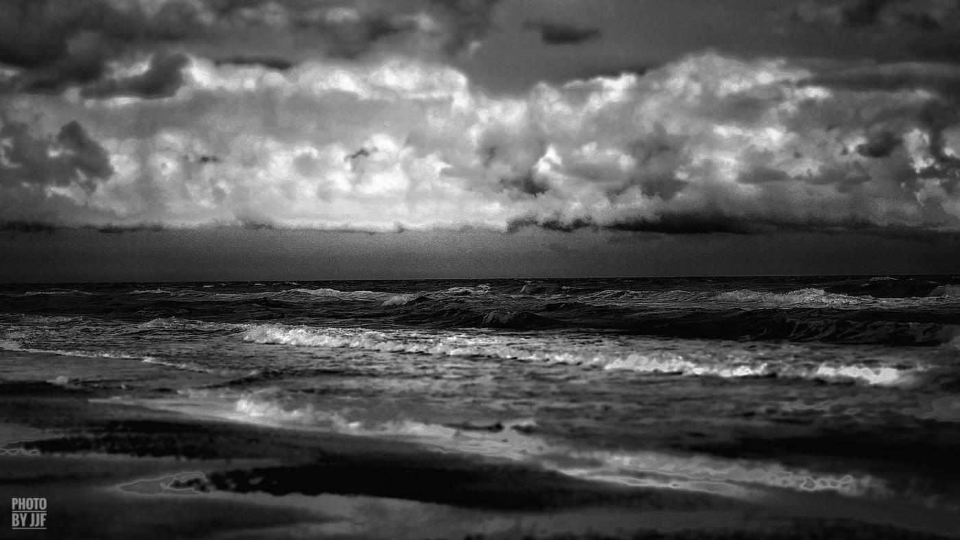 entre2brises_Sur la plage_abandonnee_JJF18