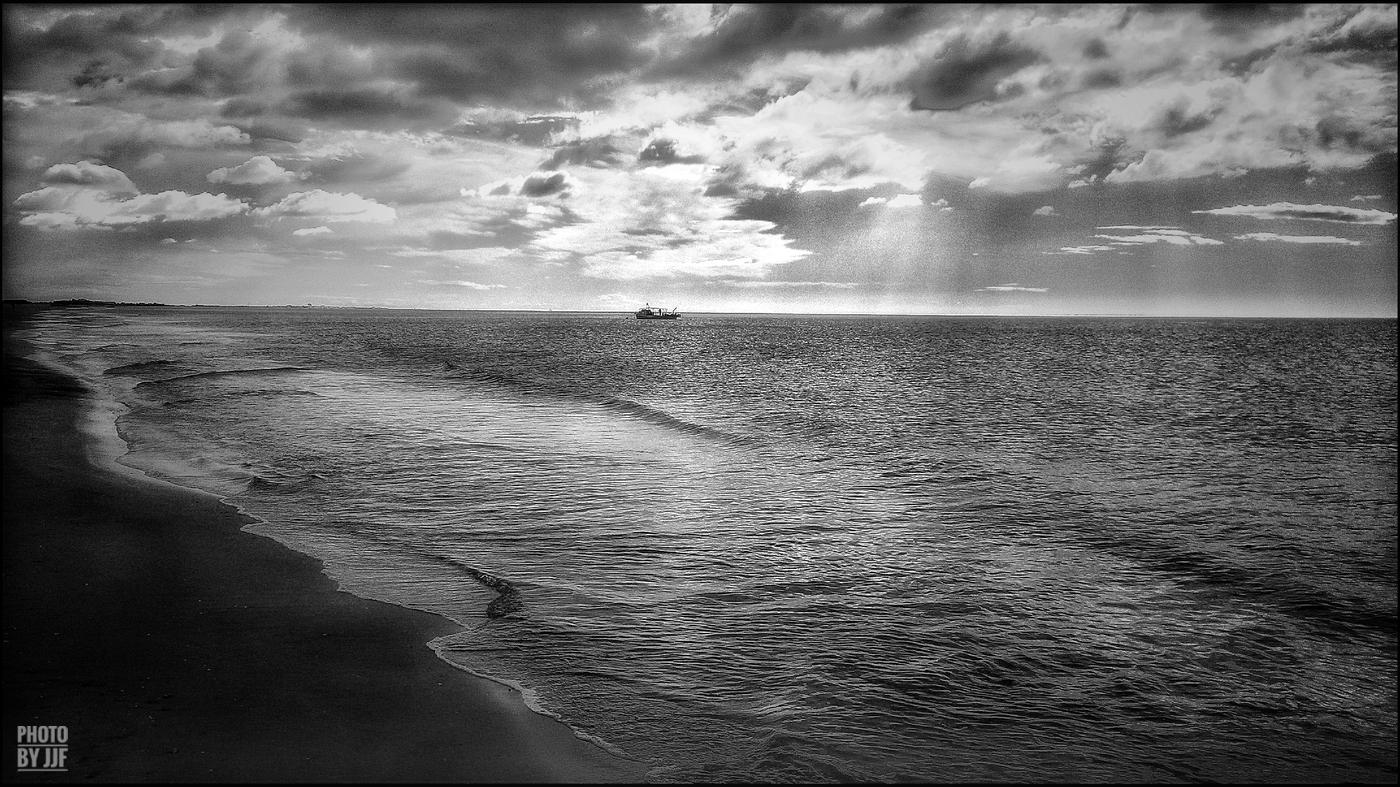 entre2brises_Sur la plage_abandonnee_JJF6