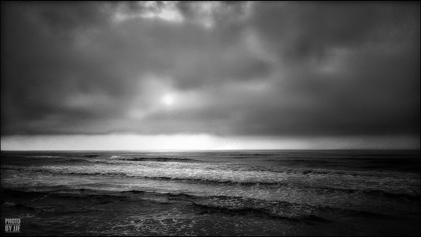entre2brises_Sur la plage_abandonnee_JJF8